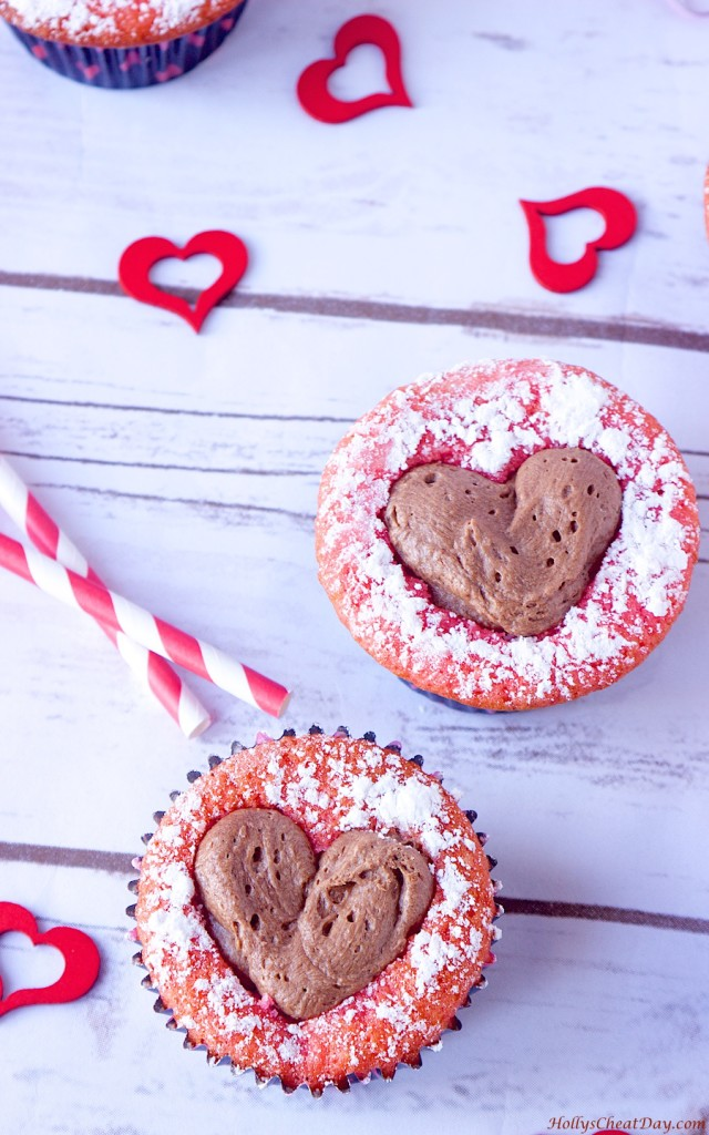 sweetheart-strawberry-cupcakes| HollysCheatDay.com