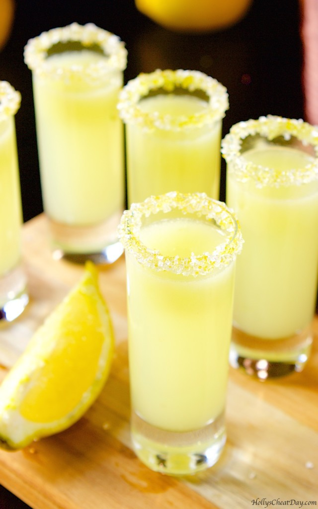 A delicious recipe for Perfect Lemon Drop Martini, with Grey Goose® vodka, triple sec, superfine sugar and lemon juice. Also lists similar drink recipes.