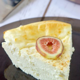 low-carb-high-protein-snickerdoodle-cheesecake| HollysCheatDay.com