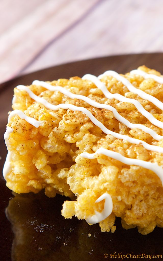 Pumpkin-Spice-Krispy-Treats | HollysCheatDay.com
