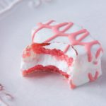 Holly's Junk Food Review Series : Little Debbie Strawberry Cakes